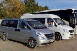 Перевозка людей на автобусе Mercedes